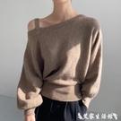 蝙蝠袖上衣 韓國chic百搭不規則領口漏肩吊帶小心機寬鬆蝙蝠袖套頭針織毛衣女 艾家
