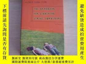 二手書博民逛書店The罕見Handbook forLightn ing Strike Survivors 英文原版書Y1463