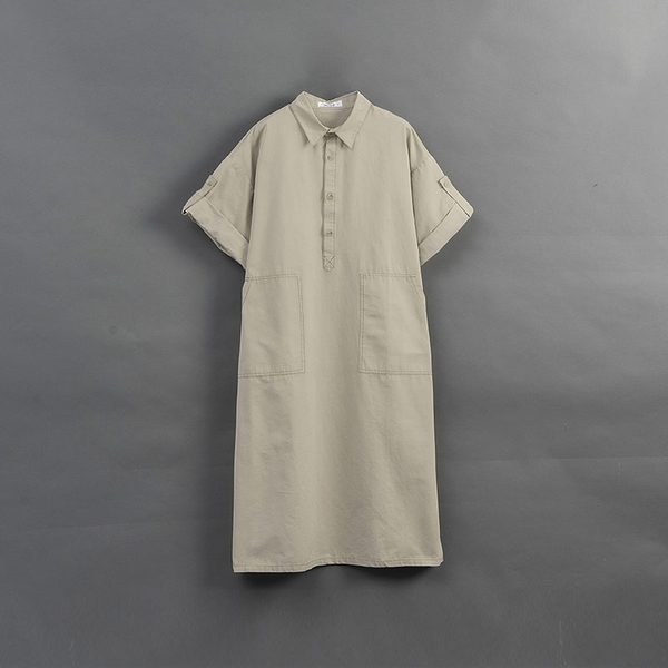 Queen Shop【01085399】女裝 半門襟大口袋造型反摺袖設計洋裝*現+預*