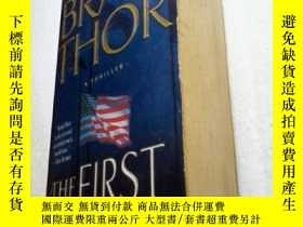 二手書博民逛書店【英文原版】the罕見first commandment (第一