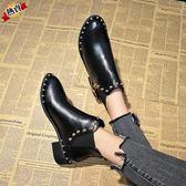 馬丁靴 女秋冬新品鉚釘瘦瘦靴平底切爾西尖頭低跟短靴