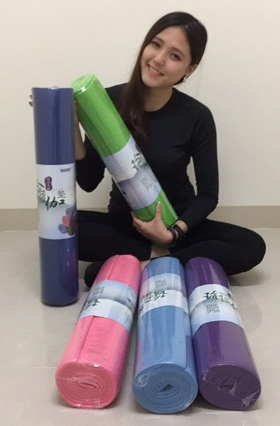 ❤快樂運動❤環保材質❤原廠瑜珈墊加厚6MM 送背帶❤健身房提拉皮斯