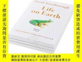 二手書博民逛書店生命的進化罕見Life on Earth 英文原版Y21066