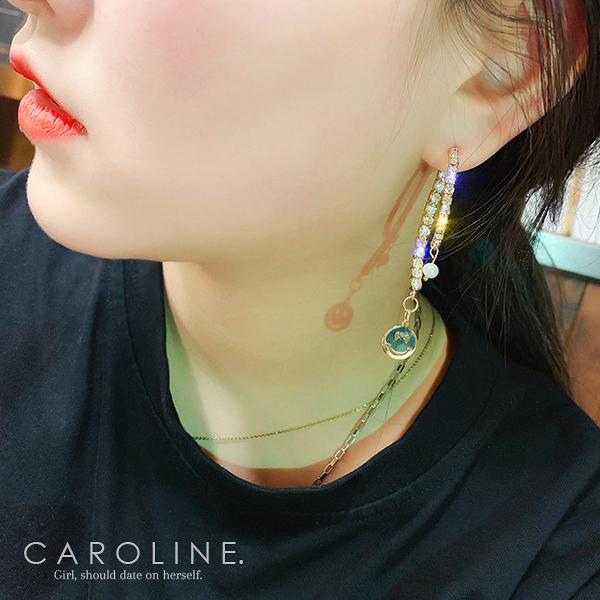 《Caroline》韓國熱賣造型時尚 優雅性感耳環 70728