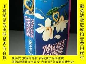 二手書博民逛書店英文原版罕見masque of sapphire 藍寶石面具Y9