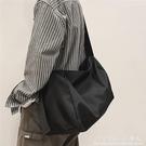 單肩包男斜背包男包大容量男士休閒郵差包跨包潮流運動機能工裝包  科炫數位