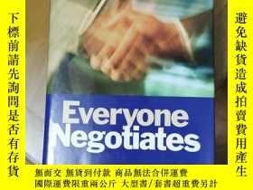 二手書博民逛書店Everyone罕見negotiates每人談判Y280742 Peter B. Stark & Ja