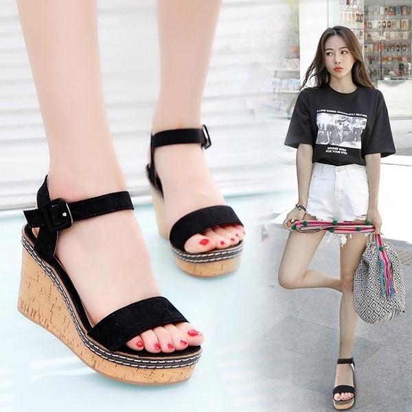楔型鞋 坡跟涼鞋女 夏季中跟高跟涼鞋 厚底鬆糕鞋 防水台一字扣涼鞋