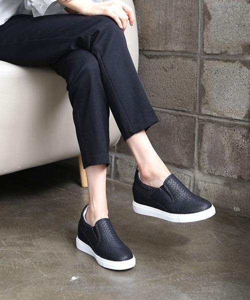 【2wenty6ix】正韓 ★ GU Sneaker 個性壓紋皮革 拚接反毛皮 內增高 厚底懶人鞋 (兩色)