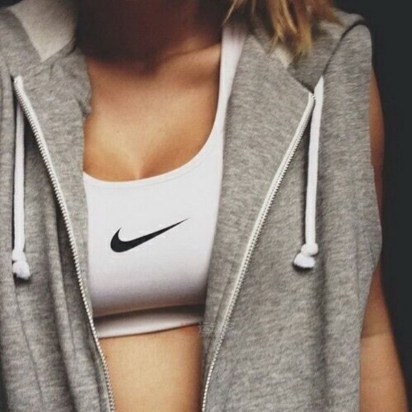 Nike 女式Bra 運動內衣831210 中高強度健身防震瑜伽服 運動背心 緊身內衣 女文胸 白色 黑色/澤米