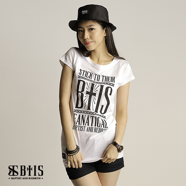 【BTIS】BTIS Slogan文字 長版T-shirt  / 米白色