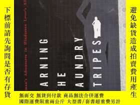 二手書博民逛書店Earning罕見the laundry stripesY281