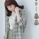 襯衫 復古色調格紋單口袋排釦棉麻上衣-B...