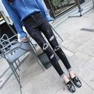 黑色膝蓋破洞牛仔褲女春季新款韓版九分小腳緊身顯瘦加絨長褲 蘑菇街小屋