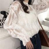 春夏新款時尚氣質性感透視鉤花蕾絲衫上衣寬鬆顯瘦純色吊帶兩件套   夢曼森居家