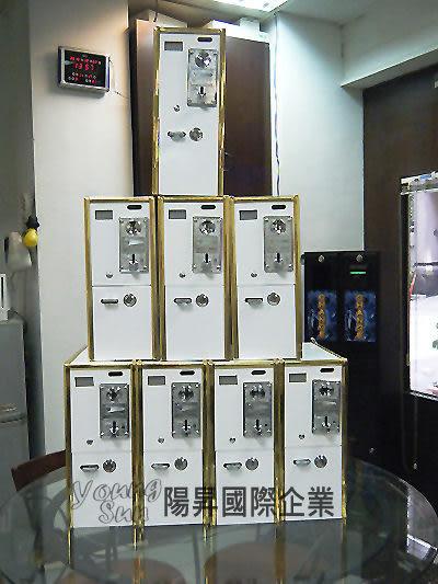 中古木箱計時箱 投幣式 計時箱 電腦 洗衣機 烘乾機 吹風機 各式電器皆可使用投幣控制電源器.
