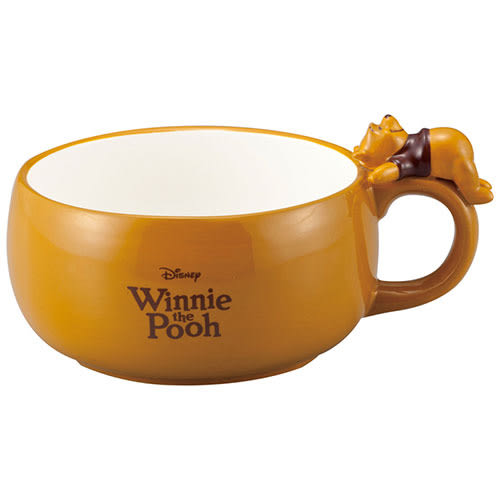 《sun-art》迪士尼人物杯緣趴趴陶磁湯杯(慵懶小熊維尼木紋)_NR24156