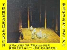 二手書博民逛書店英文原版書罕見The World of the Theatre First Edition by Robert W