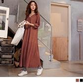 《DA8003》純色V領寬鬆織紋排釦七分長袖洋裝 OrangeBear