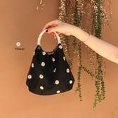 手提包夏季2020新款復古溫柔刺繡雛菊網紗珍珠手提包chic網紅貝殼包包女 伊蘿鞋包
