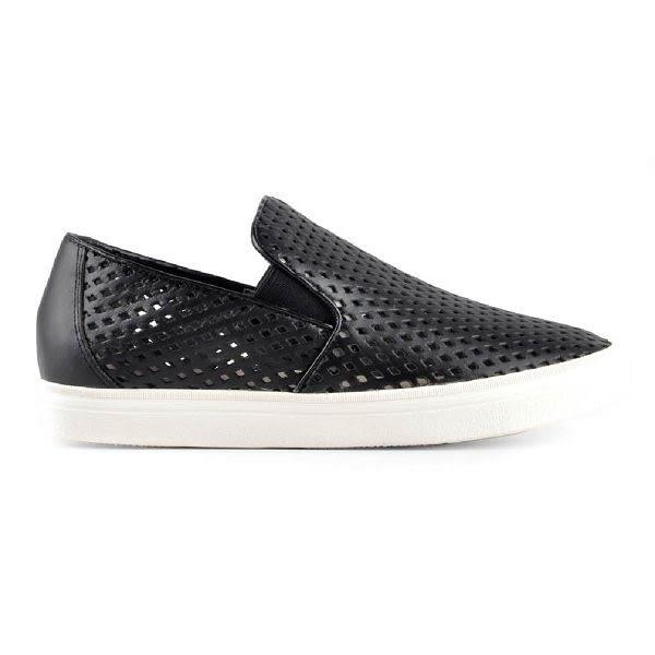 ALL BLACK   簡單素面沖孔休閒鞋-黑色