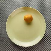 直紋綠意瓷泥餐盤26cm-生活工場