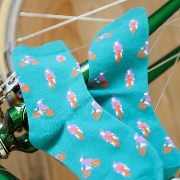 【BlueCat】節能減碳女子騎單車圖案短襪 情侶襪