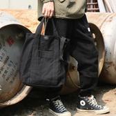 帆布包帆布包休閒豎款側背背包斜背包新款歐美潮復古時尚青年男包購物袋 雲朵走走