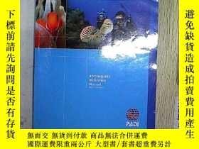 二手書博民逛書店Adventures罕見in Diving Manual 潛水探