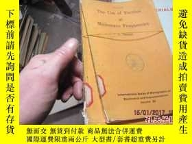 二手書博民逛書店the罕見use of ferrites at microwav
