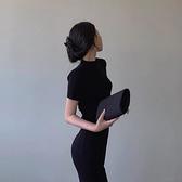 緊身洋裝 夏季2021新款女裝氣質修身包臀洋裝赫本風復古小黑裙緊身長裙子【快速出貨】