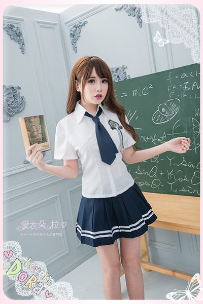 制服 學生服 中大尺碼制服 S~XXXL 角色扮演白襯衫深藍色百摺裙-愛衣朵拉