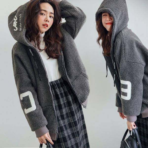 現貨-MIUSTAR NFOR配色刺繡連帽羊羔毛內鋪棉外套(共2色)【NH3360】