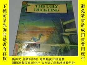 二手書博民逛書店THE罕見UGLY DUCKLING (英文)Y200392 出