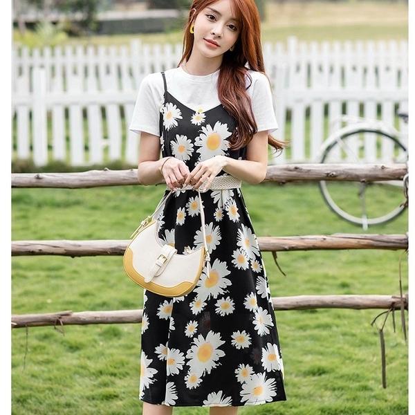 雛菊花朵印花青春兩件套(白棉T+細肩帶裙+腰帶)約會洋裝[99175-QF]美之札