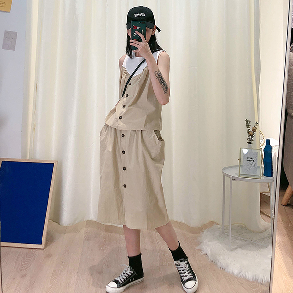 時尚帥氣套裝 無袖套頭拚色上衣+ 排釦鬆緊腰中長裙 (卡其 黑 ) 12060013