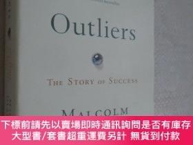 二手書博民逛書店Outliers罕見The Story of Success by Malcolm Gladwell 異類:不一樣