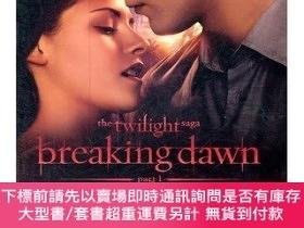 二手書博民逛書店The罕見Twilight Saga Breaking Dawn Part 1:The Official Illu
