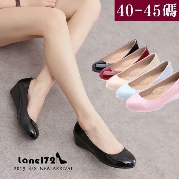 大尺碼女鞋-OL款舒適漆皮楔型包鞋/工作鞋上班鞋40-45碼❤172巷鞋舖【NYSD0310】