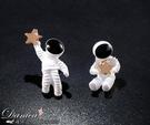 耳環 現貨 韓國可愛宇宙太空人星星不對稱耳針夾式耳環 S92933 批發價 Danica 韓系飾品
