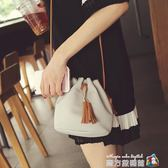 新款時尚潮流流蘇水桶包女包小挎包簡約休閒單肩側背包小包包 魔方數碼館