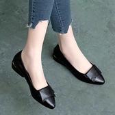 單鞋女平底2021春秋新款小皮鞋女粗跟工作鞋軟皮女鞋子 果果輕時尚