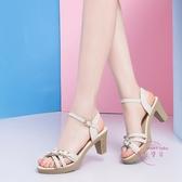 涼鞋女夏中跟高跟鞋新款夏天粗跟百搭魚嘴大尺碼中年女士媽媽鞋