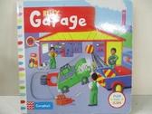 【書寶二手書T1/少年童書_EFI】Busy Garage_Rebecca FINN