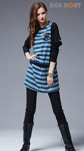【AGE BOAT】秋冬服飾特賣~毛料橫條搭S綴珍珠長版上衣  NO.152210