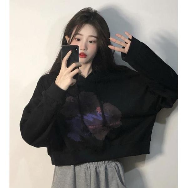 短款上衣 2021年早秋季新款寬鬆ins連帽長袖衛衣女黑色設計感小眾chic上衣 韓國時尚週