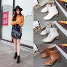 大尺碼女鞋 韓版時尚顯瘦百搭流蘇雕花中跟短靴~4色