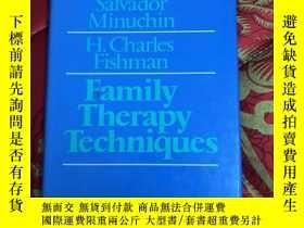 二手書博民逛書店【罕見】Family Therapy Techniques【精裝
