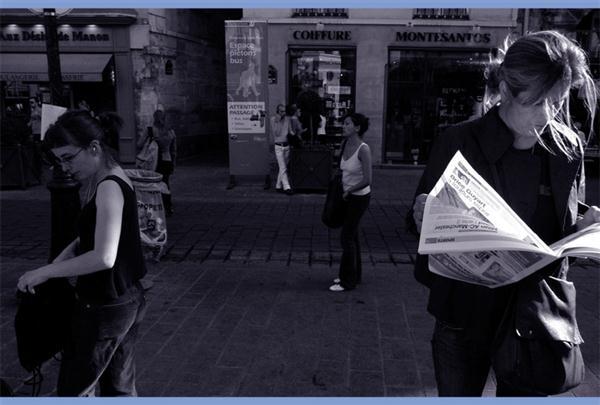 (二手書)巴黎,迷焦──遲到、不認錯、愛抗議,一位攝影師透視巴黎人的旅居實紀