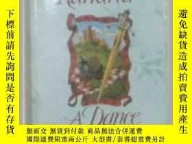 二手書博民逛書店原版英文書《罕見A Dance Through Time 》by